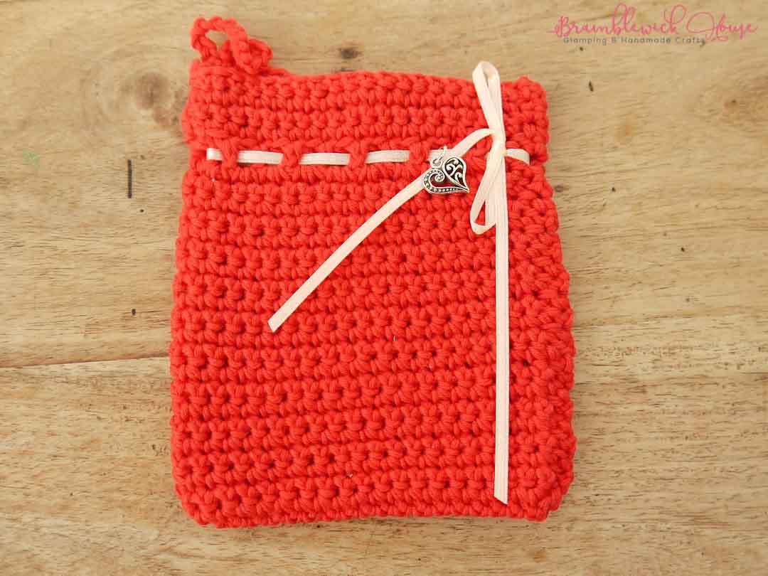 Bramblewick House Wash mitts Crochet bag red