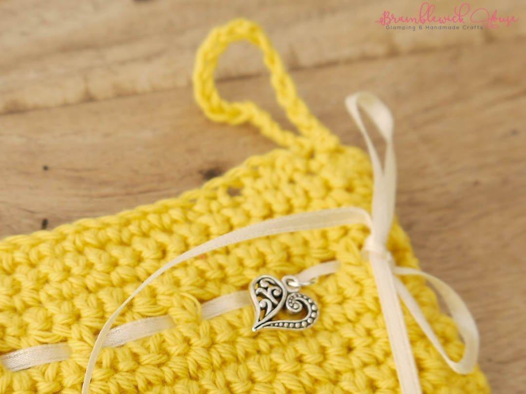 Bramblewick House Wash mitts Crochet bag yellow