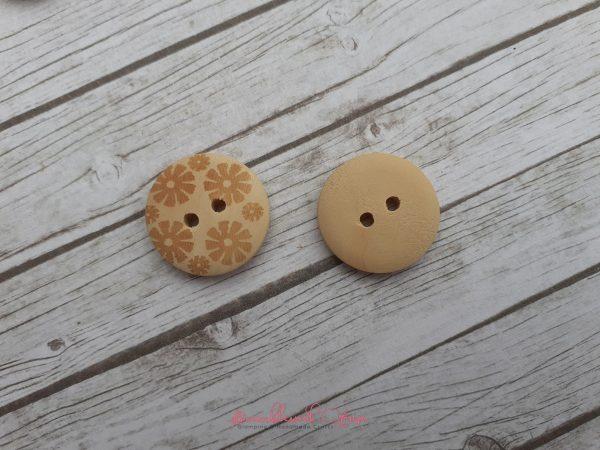 Bramblewick House Wood Flower Buttons