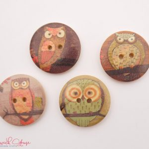 Bramblewick House Round Owl Buttons wood