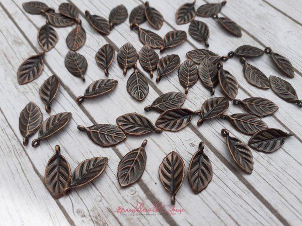 Bramblewick House Leaf Charm