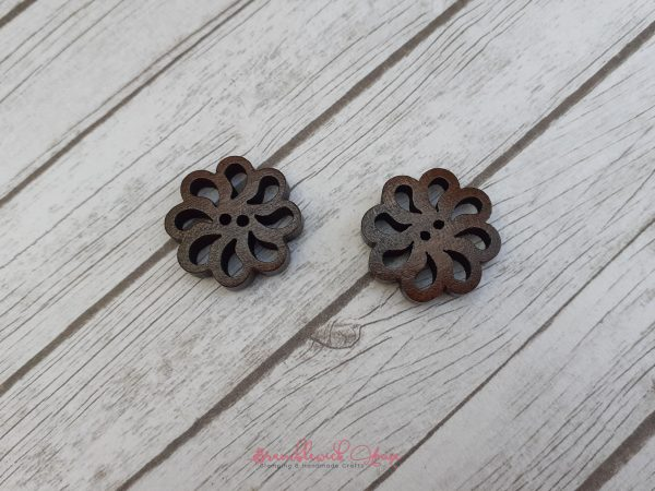 Bramblewick House Carved Wooden Flower Buttons