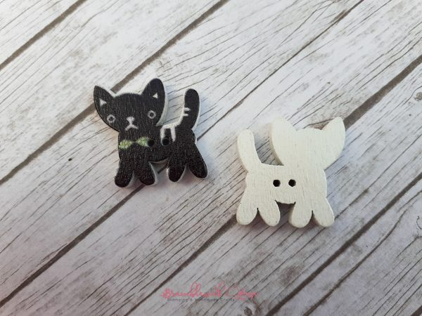 Bramblewick House Cat Button Black