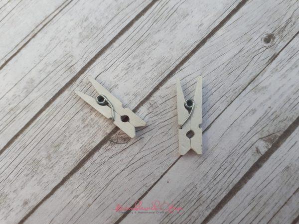 Bramblewick House Mini Wooden Pegs White